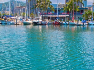 4-24-10-hawaii yacht club-A