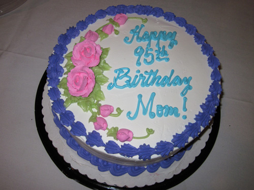 Cake Pictures For Mom : Mom s 95th birthday celebration gigi-hawaii