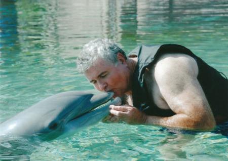 dolphin kiss-2011-david-A