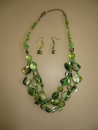 Necklaces 001-A