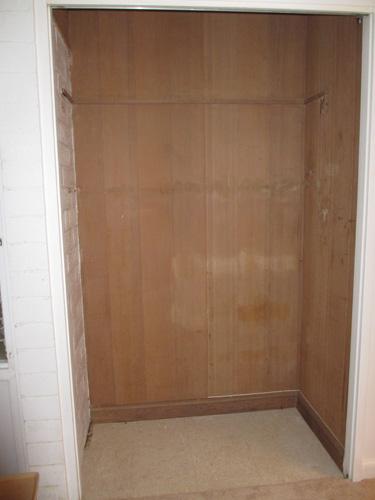 closet 001-A