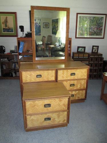 Donated furniture 001-A
