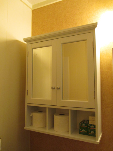 Bathroom cabinet 009-A