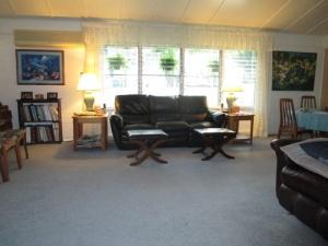 family room 002-A