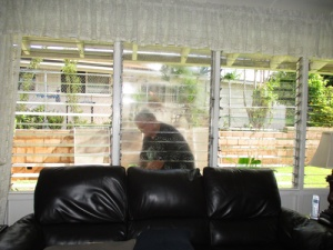 david-washes-windows-004-a