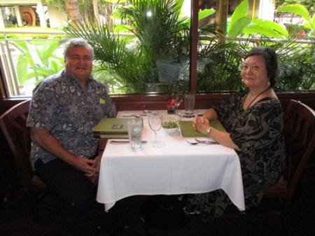 Roy's Waikiki-71st birthday 004-A