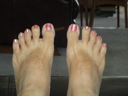 David and Glenda's feet 002-A